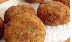 Falafel with canned chickpeas Lebanese Recipes, Indian Food Recipes, Vegetarian Recipes, Cooking Recipes, Ethnic Recipes, I Love Food, Good Food, Yummy Food, Yummy Treats