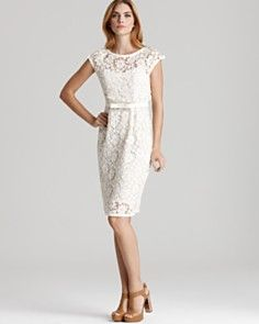 This dress is so classy! Can't you imagine wearing it to an outdoor Spring soiree, cocktail in hand? I can.
