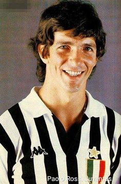 Paolo Rossi, Juventus. Retro Football, Football Shirts, Football Players, Juventus Fc, Champions League, Soccer, Hs Sports, Health Fitness, Legends