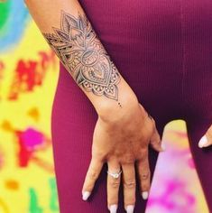 Résultats de recherche d'images pour «tatouage bras sarah lopez»