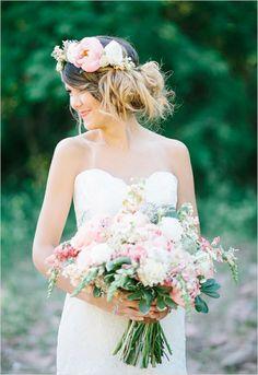 Floral crown and matching wedding bouquet. Captured By: Lora Grady ---> http://www.weddingchicks.com/2014/05/27/wearable-floral-art/