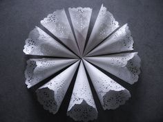 White Lace Paper Wedding Cones Set of 20 by IlasPaper on Etsy, €26.50