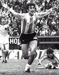 Mario Kempes - the greatest striker. Ever. Period.