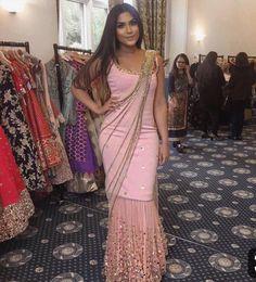 Stylish Sarees, Stylish Dresses, Indian Wedding Outfits, Indian Outfits, Indian Designer Outfits, Designer Dresses, Style Indien, Saree Gown, Lehenga Choli