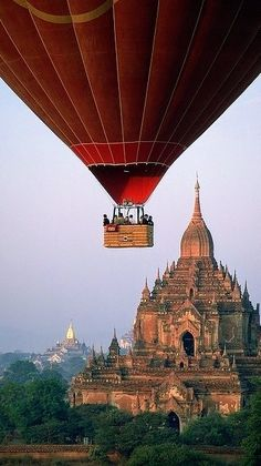 Places Around The World, Oh The Places You'll Go, Places To Travel, Places To Visit, Around The Worlds, Travel Destinations, Bagan, Air Balloon Rides, Hot Air Balloon