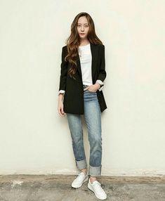 Blazer Outfits Casual, Blazer Fashion, Fashion Outfits, Women's Fashion, Artist Fashion, Krystal Jung Fashion, Krystal Jung Style, Krystal Fx, Tumblr Fashion