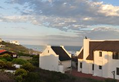 Page 8 Cape Overberg Holiday Cottages and Chalets Farm Lifestyle, Thatched Roof, Seaside Resort, Cottage Style Homes, African Countries, Africa Travel, Amazing Destinations, Country Life, South Africa