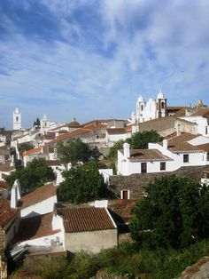 Portugal's Alentejo: A corker of a trip - via The Independent 28.06.2014 | Adrian Phillips heads south from Lisbon to explore the Alentejo, a region blessed with impressive oak trees and cultural curiosities.