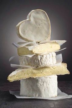 Gourmet cheese from around the world. Fromage Cheese, Queso Cheese, Wine Cheese, Camembert Cheese, Gourmet Cheese, Queso Brie, Cheese Burger, Cheese Shop, Cheese Lover