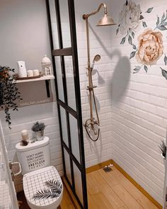 Modern Home Interior Design, Home Room Design, Bathroom Interior Design, Minimalist Small Bathrooms, Minimalist Room, Tiny Bathrooms, Toilet Design, Bathroom Design Small, Bathroom Inspiration