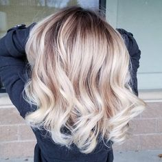 Purple Highlights for Blondes - 40 Ideas of Peek a Boo Highlights for Any Hair Color - The Trending Hairstyle Fall Blonde Hair Color, Bright Blonde, Hair Color Pink, Vibrant Hair Colors, New Hair Colors, Hair Ribbons, Super Hair, Balayage Hair, Beige Blonde Balayage