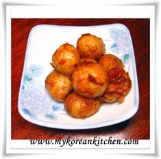 How to make Korean braised baby potatoes. Baby potatoes are boiled until soft then they are simmered in sweet and salty brine. A popular Korean side dish!