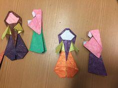 ORIGAMI LITERARIO Origami, Napkins, Tableware, Dinnerware, Towels, Dinner Napkins, Tablewares, Origami Paper, Dishes