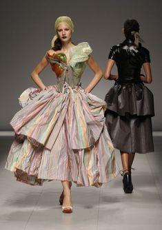 vivienne westwood fashion pics   Models present creations by British designer Vivienne Westwood as part ...
