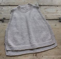 Braut Pullover aus Mohair Mix in Ivory - MailennFree Crochet Boots With Modern Patterns For Baby Boys. Jumper Knitting Pattern, Baby Knitting, Crochet Shirt, Knit Crochet, Ärmelloser Pullover, How To Start Knitting, Knit Fashion, Facon, Knitwear
