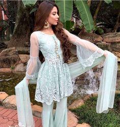 Pakistani Formal Dresses, Pakistani Outfits, Indian Dresses, Pakistani Couture, Pakistani Bridal Wear, Indian Wedding Outfits, Indian Outfits, Bridal Mehndi Dresses, Anarkali Dress