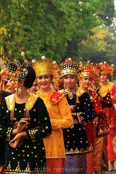 Indonesian Culture 02 by ikubaru13.deviantart.com on @deviantART