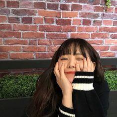 Wink for me boy. Ulzzang Korean Girl, Cute Korean Girl, Asian Men, Asian Girl, Uzzlang Girl, Haircuts With Bangs, Korean Model, Aesthetic Girl, Best Face Products
