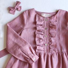 Girls Dresses Sewing, Girls Spring Dresses, Toddler Girl Dresses, Little Girl Dresses, Cotton Frocks For Kids, Frocks For Girls, Kids Dress Wear, Kids Dress Up, Kids Dress Patterns