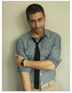 Jake Gyllenhaal bedroom eyes
