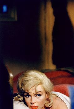 Marilyn Monroe photographed by Eve Arnold on the set of The Misfits (1961).