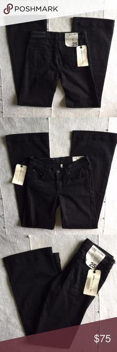 "rag & bone Black Denim Wide Leg Jeans 25 x 33 New with tags wide leg jeans in black wash. Waist measures 28"", 8"" rise and 33"" inseam. rag & bone Jeans Flare & Wide Leg"