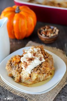 Baked Pumpkin French Toast Casserole - An easy make-ahead dish for breakfast, brunch or holiday entertaining. Baked Pumpkin French Toast Casserole - An easy make-ahead dish for breakfast, brunch or holiday entertaining. Banana French Toast, Pumpkin French Toast, French Toast Bake, Christmas Brunch, Christmas Breakfast, Pumpkin Breakfast, Sweet Breakfast, Breakfast Time, Christmas Morning