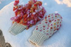 Adrian posted this tutorial to make thrummed mittens on her blog.