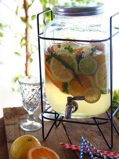 【ELLE a table】文旦と柑橘たっぷりハーブのデトックスウォーターレシピ エル・オンライン