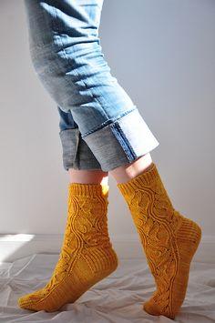 Ravelry: Rumpelstiltskin pattern by verybusymonkey Wool Socks, Knitting Socks, Hand Knitting, Knitting Patterns, Crochet Patterns, Yarn Inspiration, How To Purl Knit, Warm Outfits, Hand Dyed Yarn