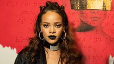 Рианна получила роль в сериале - приквеле «Психо» Хичкока http://joinfo.ua/showbiz/1195939_Rianna-poluchila-rol-seriale---prikvele-Psiho.html  Певица Рианна (Rihanna) снялась в нашумевшем сериале «Мотель Бейтсов». Об этом узнали поклонники ее творчества и многие поддержали начинания певицы.Рианна получила роль в сериале - приквеле «Психо» Хичкока, читать далее...