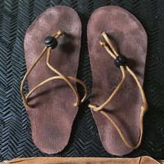 Running Sandals, Barefoot Running, Leather Lace Up Boots, Bare Foot Sandals, Huaraches, Costume Ideas, Fitness Fashion, Custom Made, Flip Flops