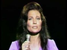Loretta Lynn - In The Garden (Gospel)