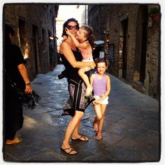 My girls in Volterra, Toscane 2012
