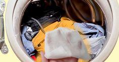 3 egyszerű trükk a nagymosáshoz, amelyet mindenképp ismerned kell!        Egy véletlen folytán egy igen hasznos trükkel ismerkedhetett meg a világ, amelyet most elárulunk, hogy számodra is sokkal könnyebb legyen a mosás. Egy kislány viccből bedobott egy Dishwasher Tablets, Clean Washing Machine, Laundry Drying, Wet Wipe, Detox Recipes, Organizing, Cook, Blanket, Tips