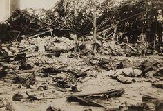 Le drammatiche immagini scattate poche ore dopo l'attacco atomico a Nagasaki sono tornate alla luce. Vennero pubblicate nel 1952, ma pochi mesi dopo alcune di queste vennero sequestrate dalle forze armate americane. A realizzarle era stato il fotografo militare giapponese Yosuke Yamahata che, incari…