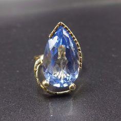 Vintage ESTATE 7.6 carat Pear-Shaped BLUE TOPAZ & 14K karat Gold RING, size 6.5