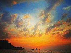 Reposting @eatstrayfun: Thailand.🌴 TravelBug #SoloTravel #TravelBlogger #TravelPhotography #TravelDiary #TravelersJournal #TravelLife #TravelPics #TravelTips #TravelGirls #TravelMore #TravelAddict#Travelgram #Travelingram #InstaTravel #InstaTraveler #InstaExplore #InstaPassport#Passport #Vacation #Paradise #Trips #Tripstagram #RoundTheWorld#TravelWithMe #TravelDeeper#PicOfTheDay #PhotoOfTheDay #solotravel #sunsetporn
