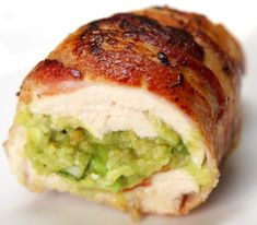 Chicken Bombs with guacamole wrapped in bacon (cut chicken making pocket & add mixture; wrap bacon around stuffed chicken; cook in stovetop skillet) Bacon Wrapped Chicken, Chicken Bacon, Chicken Gravy, Turkey Bacon, Rotisserie Chicken, Roasted Chicken, Fried Chicken, Bacon Guacamole Chicken Bombs, Bacon Bombs