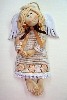 Cudna-Julka-aniol-masa-solna-wstazka-serce-recznie-malowane.jpg (423×627) you really need to purchase the clay to make this. Salt dough didn't work very well.