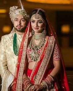 Sikh wedding Photography of Punjabi Sikh Couple. Indian Wedding Poses, Indian Wedding Couple Photography, Indian Bridal Outfits, Indian Bridal Wear, Sikh Wedding, Gothic Wedding, Wedding Dresses, Bridal Looks, Bridal Style