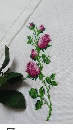This Pin was discovered by evs Cross Stitch Rose, Stitch 2, Cross Stitch Charts, Cross Stitch Designs, Cross Stitch Embroidery, Cross Stitch Patterns, Embroidery Designs, Diy And Crafts, Acl