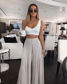 ▷ 30 fashion outfits for this SUMMER # 2019 - The New TREND _ clothes that don't . ▷ 30 fashion outfits for this SUMMER # 2019 - The New TREND _ clothes you don't need in summer # for Chic Summer Outfits, Cute Casual Outfits, Comfortable Outfits, Chic Outfits, Fashion Outfits, Beach Outfits, Autumn Outfits, Outfit Summer, Summer Holiday Outfits