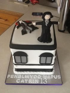 We were tweeted this photo of a brilliant Sherlock inspired birthday cake yesterday by @MrsWalters2 which we just had to share.  Have you made any Sherlock food related items? We'd love to see your photos. Tag your posts with #SherlockFood so we can spot them. <---sounds fantastic!!