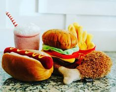 The weekend is here hoomans and furry friends. Are you ready to indulge yourself? 🤪 Get ready for a full American Clasic Meal🐶 American Classics Shaped Food Dog Toy. Get 10 OFF WITH THE CODE: STAYHOME Dog Toys, Hot Dogs, Meals, Ethnic Recipes, American, Friends, Instagram, Videos, Food