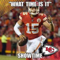 Chiefs Memes, Travis Kelce, Kansas City Chiefs Football, Sports Baby, Love My Boys, Football Helmets, Nfl, Wallpaper Art