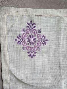 Cross Stitch Gallery, Cross Stitch Love, Cross Stitch Designs, Cross Stitch Patterns, Pearl Embroidery, Hardanger Embroidery, Cross Stitch Embroidery, Hand Embroidery Design Patterns, Machine Embroidery Designs