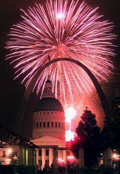 St Louis fireworks frame the Old Courthouse and the Arch.