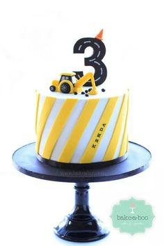 bake a boo: the little yellow digger truck cake topper tutorial Digger Birthday Cake, Digger Cake, 3rd Birthday Cakes, Construction Party Cakes, Construction Birthday Parties, Cake Topper Tutorial, Cake Toppers, Bake A Boo, Truck Cakes