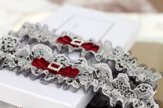 grey wedding garter set with red, grey bridal garter set, black and white lace garter set, grey tulle garter set, black wedding garter set  This is a made to order item, so please allow up to 3 business days to be made and dispatched.  *** S I Z E ***  Please measure your thigh wherever you plan to wear the garters (usually 2-4 inches or 5-10cm above the knee) and choose the option that corresponds. Make sure you are standing up! If your measurement is not listed, send us a message with your…